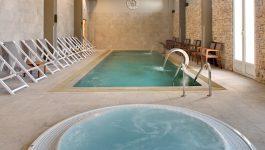 Le spa de l'hotel avec piscine intérieur et jacuzzi - Var Toulon